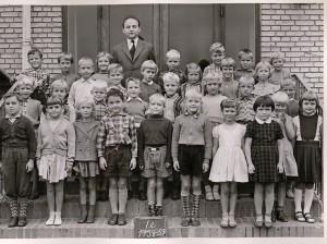1958e
