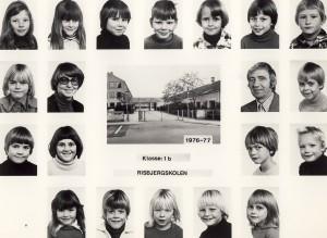 1976b